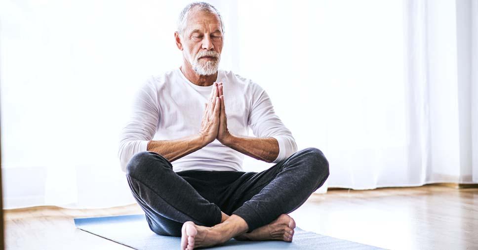 Descubra os benefícios da meditação para idosos!