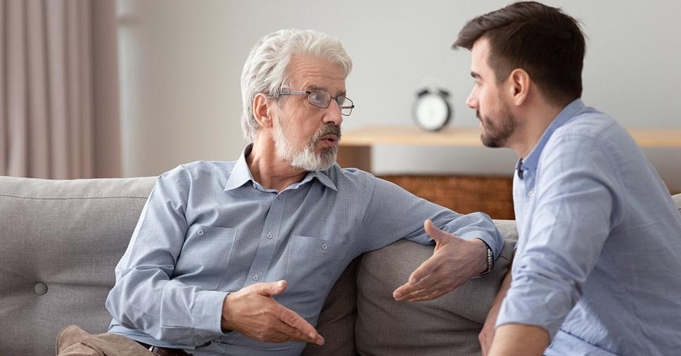 Você sabe lidar com a perda auditiva de um idoso? Veja algumas dicas!