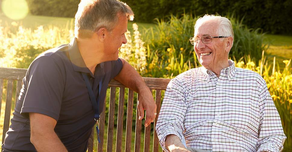 Dia dos pais: entenda quais são os cuidados com idosos no inverno